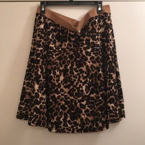 Cute leopard print skirt!